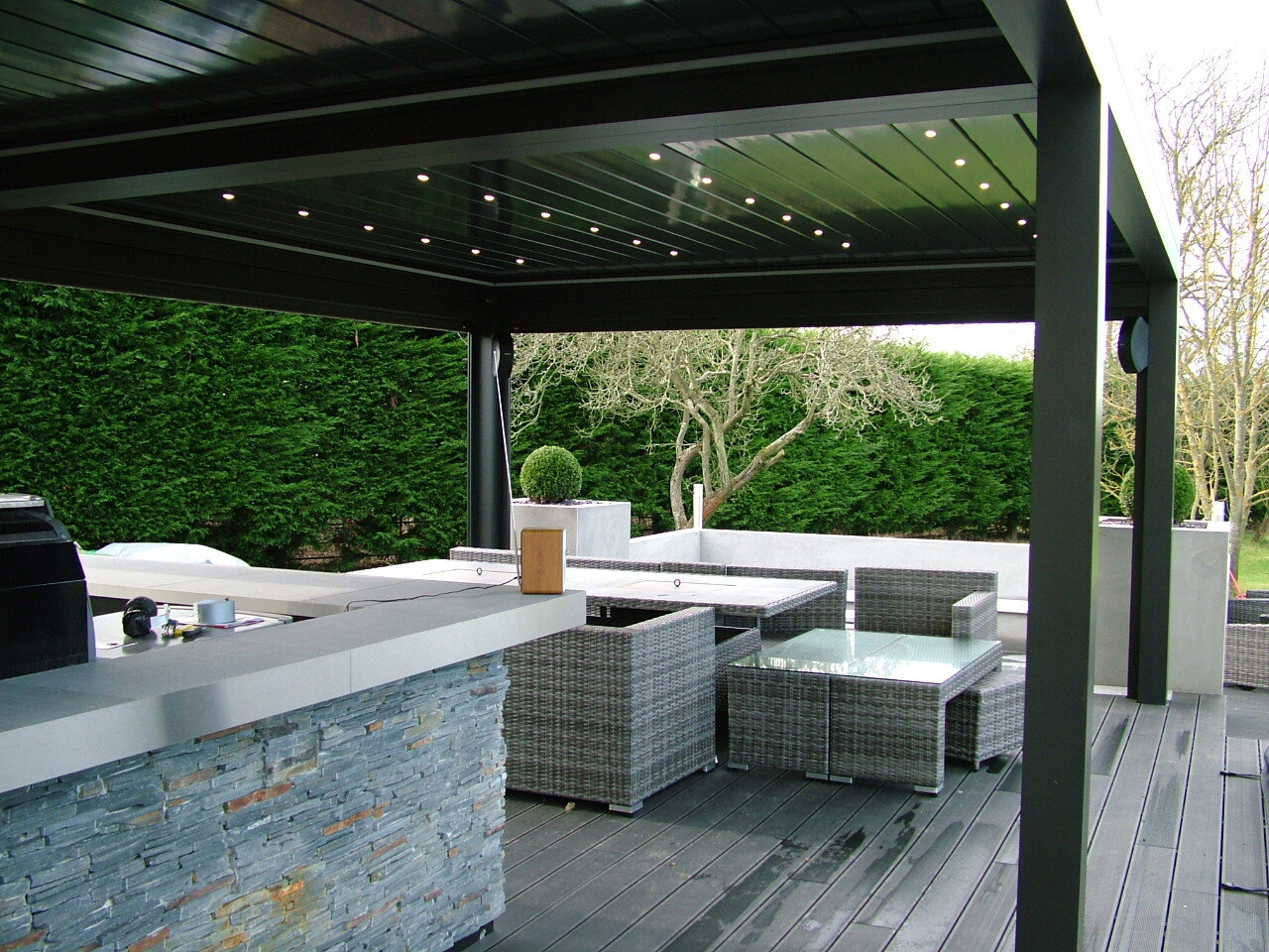 LOUVRED CANOPY OVER AN OUTDOOR KITCHEN & HOT TUB - ESSEX ...